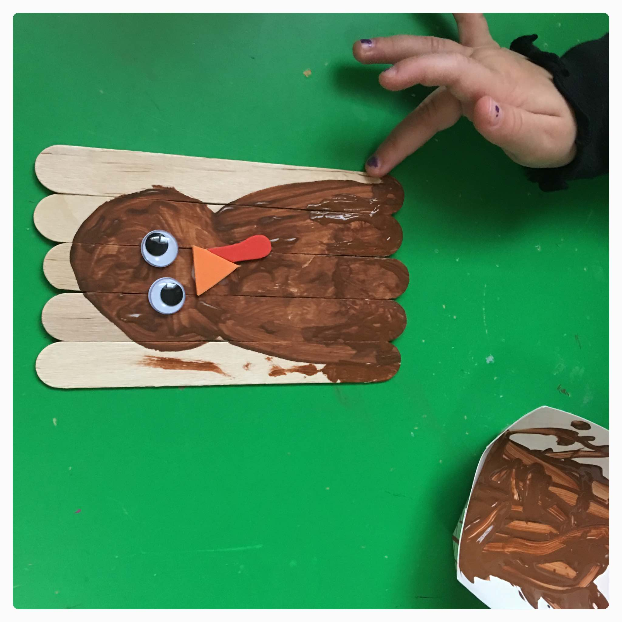 Fun and simple craft project for Thanksgiving using jumbo craft sticks (popsicle sticks).
